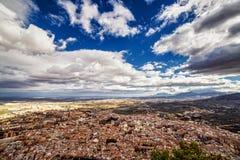 城市的全景从圣卡塔利娜城堡的, ta 免版税库存图片