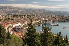 城市的分裂克罗地亚视图 库存照片