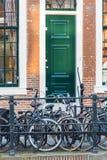 城市的大数字在乌得勒支街道上骑自行车,下面 图库摄影
