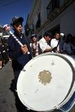 城市的居民在狂欢节期间的以纪念瓜达卢佩河贞女  库存图片