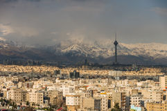 城市的德黑兰地平线 免版税图库摄影