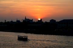 城市的日落视图 库存图片