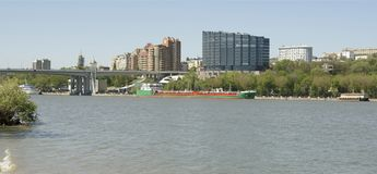 城市的看法从为2018年世界足联建造的一个新的公园的 免版税库存图片