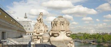 城市的看法从罗浮宫的顶楼的 免版税库存图片
