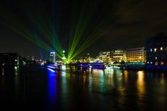 城市的看法在晚上 图库摄影