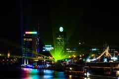 城市的看法在晚上 库存图片