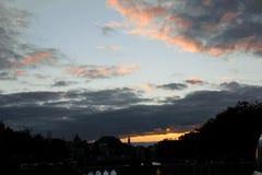 城市的看法,在城市的日落 免版税库存图片