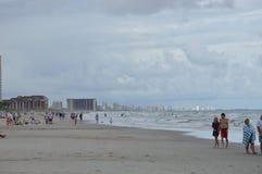 城市的看法从海滩的 库存照片