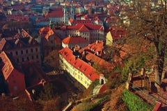 城市的秋天视图 库存照片