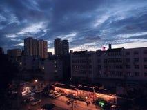 城市的美好的夜视图 库存照片