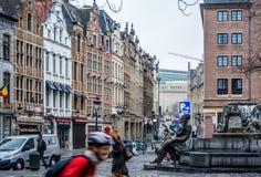 城市的老街道 放松-您在布鲁塞尔! 免版税图库摄影
