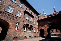 城市的老部分的砖房子 库存图片