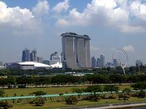 城市的风景有游轮的 免版税库存照片
