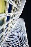 城市空白晚上的摩天大楼 库存照片