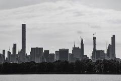 城市纽约 是的操作中央被自毁的大厦有人力曼哈顿自然公园现象视图 库存图片