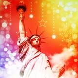 城市自由newyork雕象日落 免版税库存图片