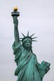 城市自由newyork雕象日落 库存图片