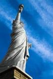 城市自由newyork雕象日落 图库摄影