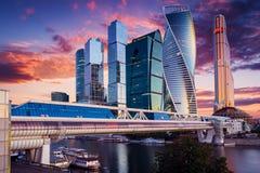 城市莫斯科俄国 在日出的莫斯科国际商业中心 库存照片