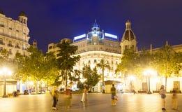 城市街道在夜 西班牙巴伦西亚 库存照片