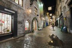 城市街道在晚上 免版税库存照片