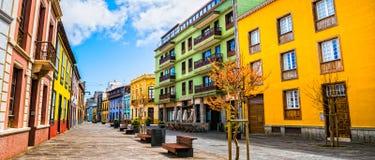 城市街道视图在La特内里费岛的,加那利群岛拉古纳镇 库存照片