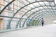 城市街道路ironbridge步行者 图库摄影