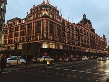 城市街道,哈洛德百货公司伦敦 库存图片