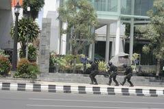 城市警察反暴力恐怖份子的训练独奏中爪哇省 免版税库存图片