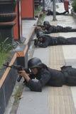 城市警察反暴力恐怖份子的训练独奏中爪哇省 免版税图库摄影