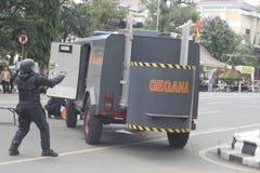城市警察反暴力恐怖份子的训练独奏中爪哇省 图库摄影