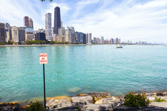 城市走道和海滩 库存图片