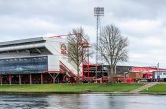 城市足球场的长的曝光 免版税库存照片