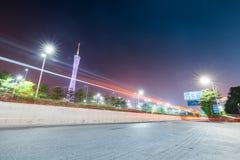 城市道路在广州在晚上 库存图片