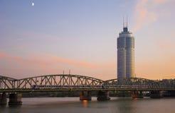 城市都市场面的日落 免版税库存图片