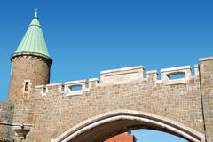 城市门斜纹布porte魁北克圣徒 免版税库存图片