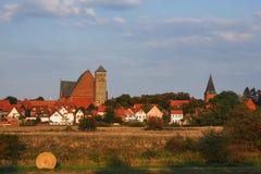 城市韦尔登县都市风景河的阿列尔,下萨克森州,德国 库存照片