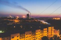 城市风险长的晚上视图 库存照片