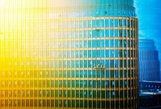 城市高层建筑物玻璃悬墙 库存照片