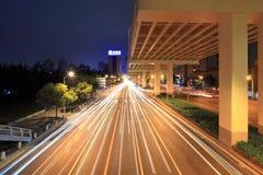 城市高速公路晚上 免版税图库摄影