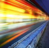 城市高速公路l晚上 免版税库存照片
