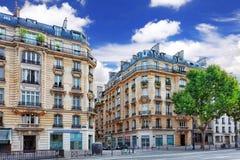 城市,在大厦的都市看法在Paris.France。 免版税库存照片