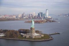 城市 在视图之上 免版税库存图片