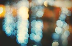 城市轻的夜生活Defocused被弄脏的发光的抽象概念 库存图片