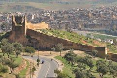 城市fes摩洛哥老墙壁 免版税库存图片