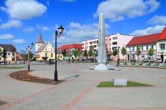 城市Gvardeysk,都市风景-胜利广场 免版税库存照片