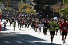 城市ing马拉松新的赛跑者约克 图库摄影