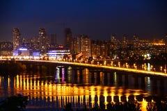 城市Kyiv的夜视图 库存照片