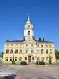 城市ratushana天空背景 19座钟楼c教会芬兰hamina保罗・彼得st 图库摄影