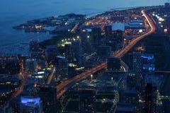 城市scape在多伦多,加拿大晚上  免版税库存图片